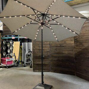 10 ft market umbrella and base